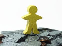 Romanii aleg produsele companiilor de asigurari pentru protectia financiara personala