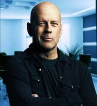 Banca ruseasca promovata de Bruce Willis se prabuseste - incercari disperate de resuscitare