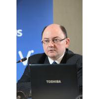 Numarul tranzactiilor cu carduri VISA  a crescut cu 23,6% in Romania