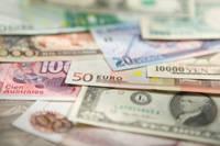 Curs valutar 27 noiembrie: Bancile si casele de schimb cu cele mai avantajoase cotatii