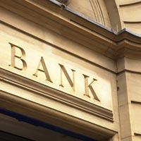 Sute de banci vor primi bani de la BCE