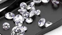 Pretul diamantelor, in declin. E timpul sa cumperi?