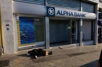 Tragedia greaca aproape de final? Elenii spera sa primeasca bani pana la finalul lunii