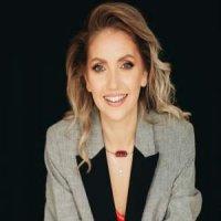 """""""Femeile trebuie sa isi depaseasca temerile si indoielile ca nu pot reusi! Teama de esec sau de respingere, le pot tine departe de lumea antreprenoriala"""" – Florina Onetiu, Antreprenor, Business Consultant&Coach"""