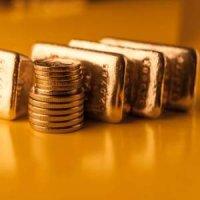 """Criza financiara """"bate la usa""""? Afla cum iti pui la adapost economiile, cu 6 sfaturi din partea specialistilor!"""