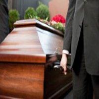 Organizarea unui eveniment funerar, pas cu pas – ce servicii sunt indispensabile